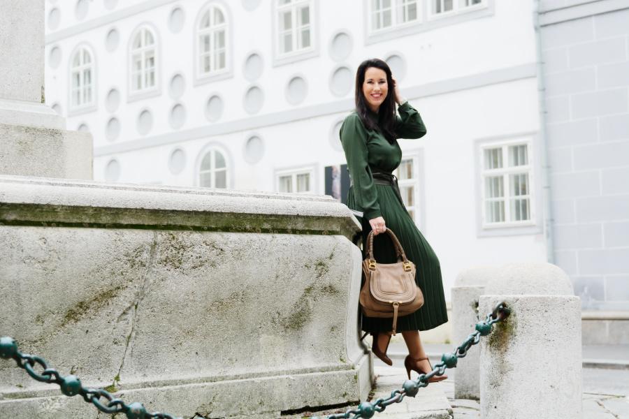 Retro Chic = Office Chic … in <3 mit meinem grünen Kleid